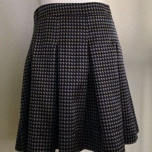 Burberry Skirt Navy Black Silver Pleated mini sz 6